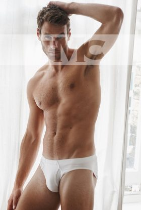 High class straight male escort Julian