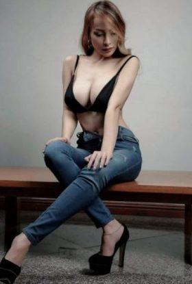 Bella Hale