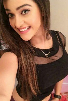 Sofia Busty Milf